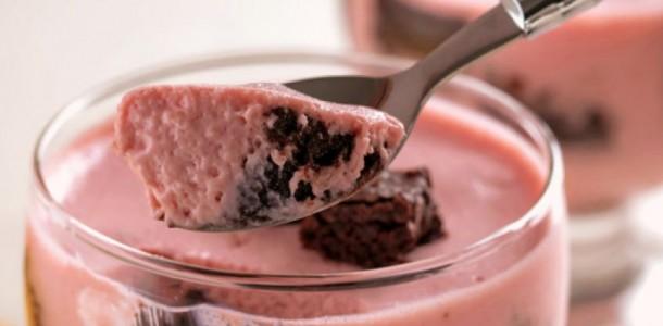receita-musse-morango-brownie