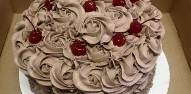 bolo-mousse-de-chocolate-bolo-de-aniversario