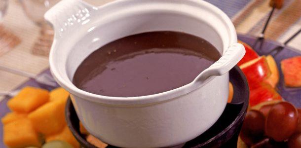receita-fondue-de-chocolate-02-610x300