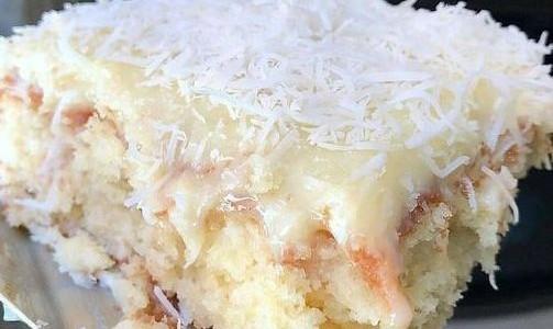 bolo-gelado-de-coco-embrulhado